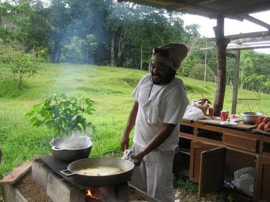 ATEC - Talamancan Association of Ecotourism and Conservation Day Tours: Afro-carebb...Cookig