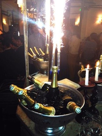 Anniversaire Champagne A Gogo By Papaboss Picture Of Lautobus