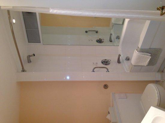 Hilton Maidstone: Bathroom
