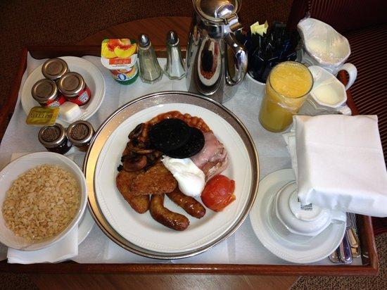 Hilton Maidstone: Room Service Breakfast