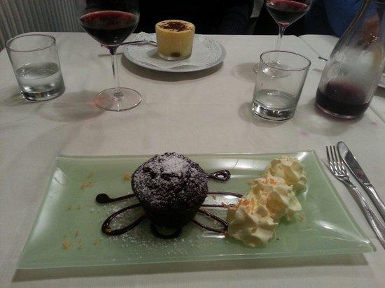 Trattoria la Fiasca: Tortinha de chocolate com creme de gengibre.