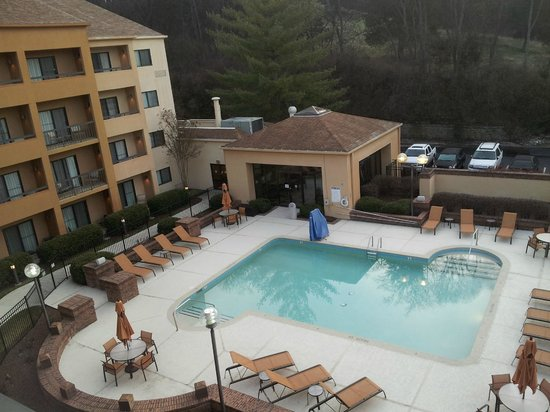 Courtyard by Marriott Nashville Airport: RM 410 View