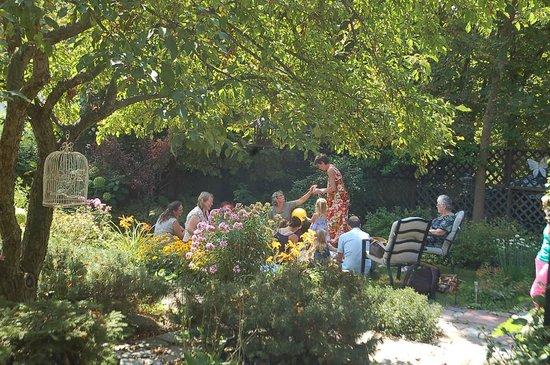 Summerhill Manor Bed & Breakfast and Tea Room: Back garden~Children's Teddy Bear pic-nic