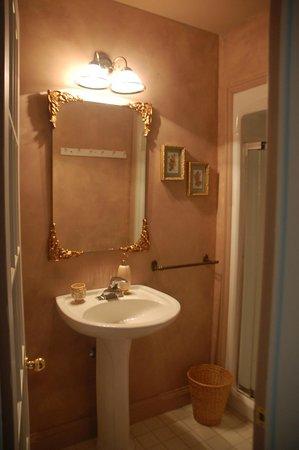 Summerhill Manor Bed & Breakfast and Tea Room: Harris suite en suite