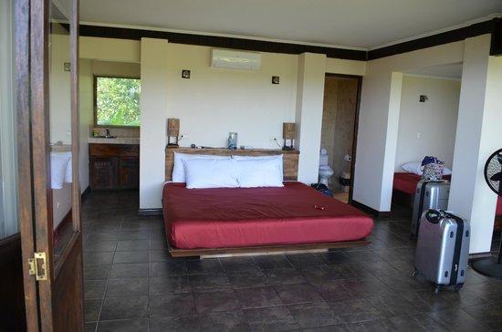 TikiVillas Rainforest Lodge: Bungalow #3
