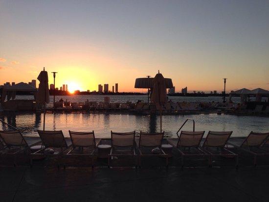 Mondrian South Beach Hotel : Sunset