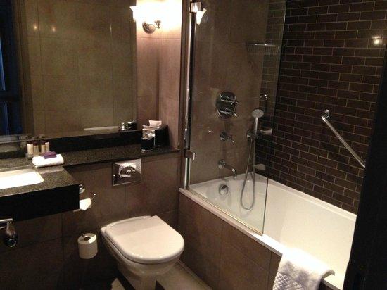Cameron House on Loch Lomond: Bathroom