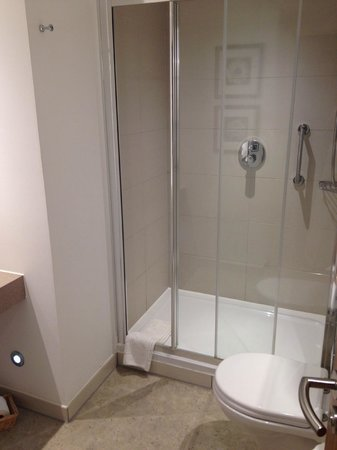 Staybridge Suites Newcastle : Bathroom