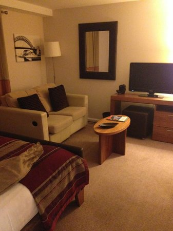 Staybridge Suites Newcastle : Seating Area in Room
