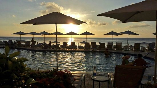 Grand Cayman Marriott Beach Resort: Our 1st sunset from room patio