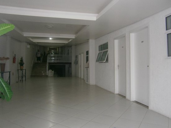 Bombinhas Tourist Hotel e Pousada: 48-Bombinhas Tourist: acceso zona Amanda