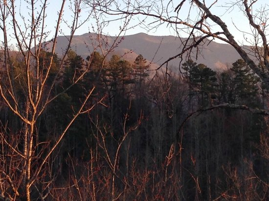 Elk Springs Resort: View of Mount LeConte from the upstairs balcony at Eagles Nest