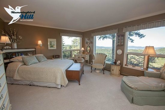 Hummingbird Hill Bed & Breakfast