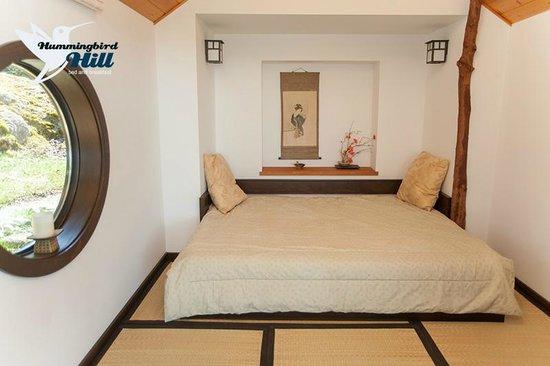 Hummingbird Hill Bed & Breakfast : Japanese Style Room