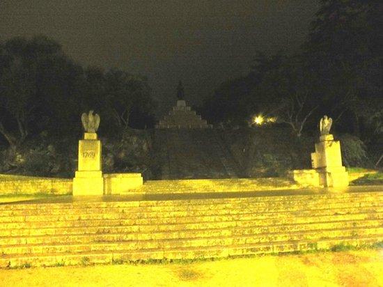 Place d'Austerlitz : la notte ... Napoleone scompare!