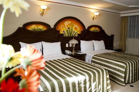 Hotel Casino Plaza: Doble Estandar