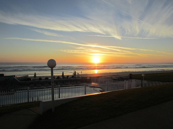 Shoreline All Suites Inn & Cabana Colony Cottages: This is sunrise threw a window in suite #21