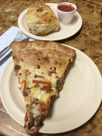 Joe's Pizza: Huge slice of Pizza Heaven!