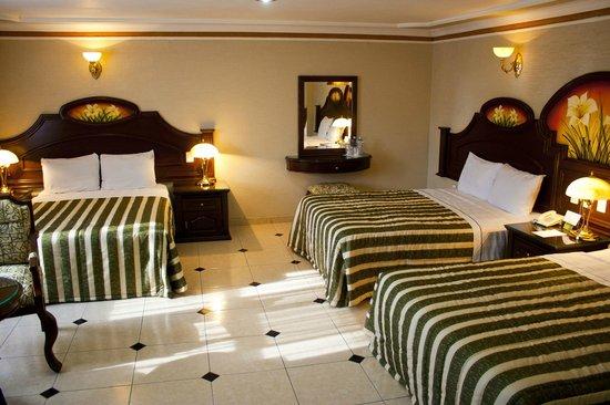 HOTEL CASINO PLAZA: SUITE