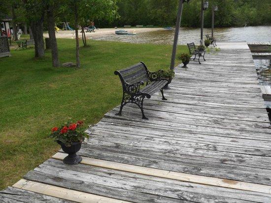 Chalkley's Sandy Bay Cottage Resort: .
