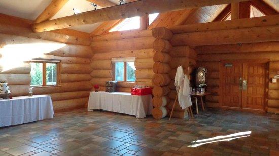 Laurentian Lodge: dans la salle