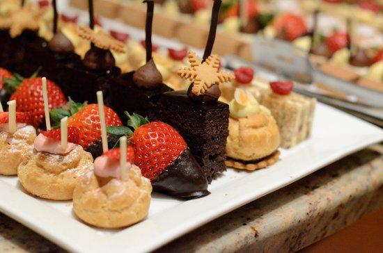 Naturhotel Waldklause: Dessert buffet