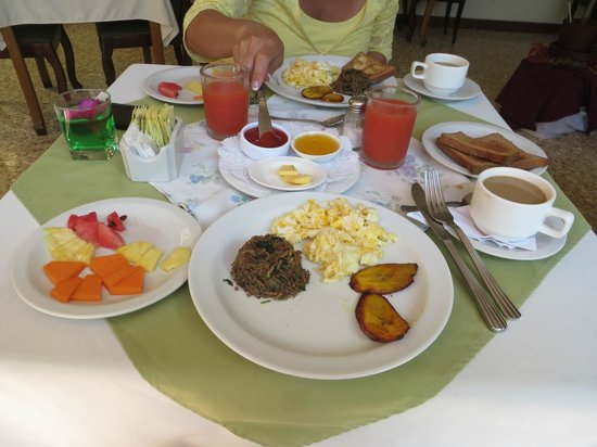 Hotel Le Bergerac Boutique : Typical Costa Rican Breakfast