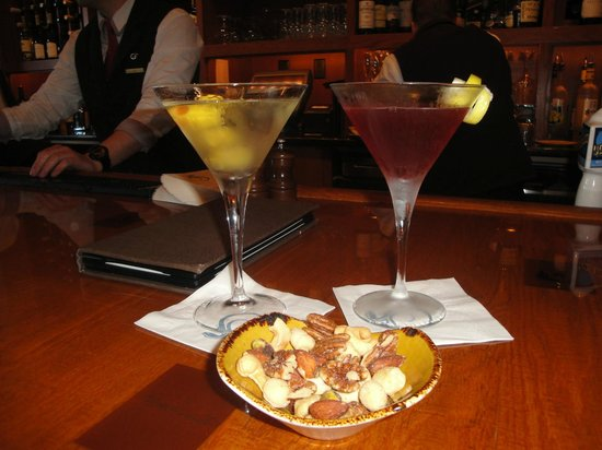 Salamander Resort & Spa: Martinis in the Gold Club Wine Bar