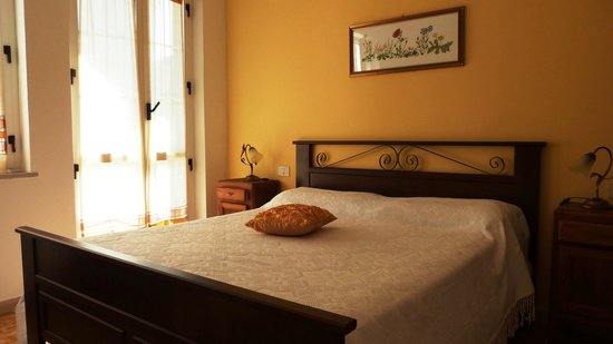 Kalimera: Camera Arancio