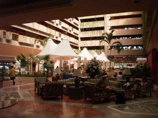 Barcelo Ixtapa: lobby area