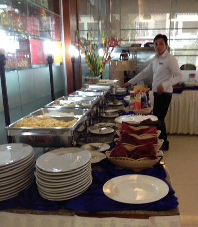 Diamond Hotel : Buffet at hotel
