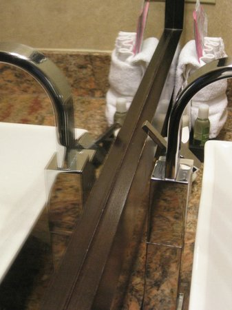 Rosedale Inn: Faucet Handle