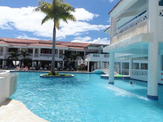Hotel Beach House Playa Dorada: piscine