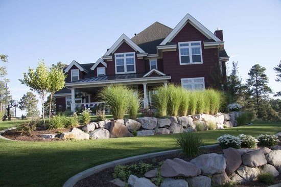 The Red Farmhouse Bed and Breakfast: front of house