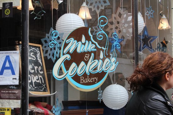 Foods of New York Tours: Enjoying hot chocolate chip cookie at Milk & Cookies
