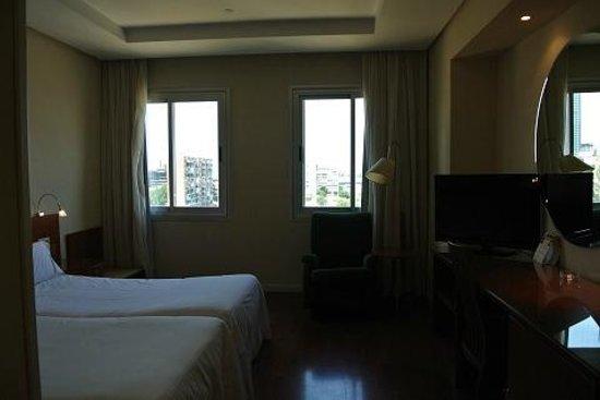 TRYP Madrid Chamartín Hotel: 部屋の中です