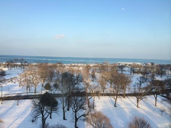 Hotel Lincoln, a Joie de Vivre Hotel : View of Lake Michigan from a junior suite on the 11th floor