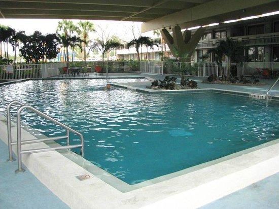 Champions World Resort: Fantastic Covered Pool!