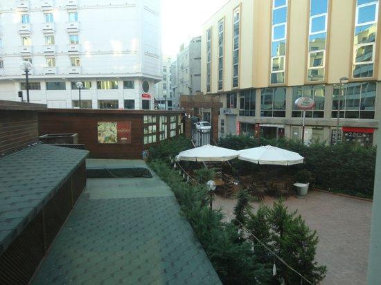 Hotel Vicenza : Terraço externo