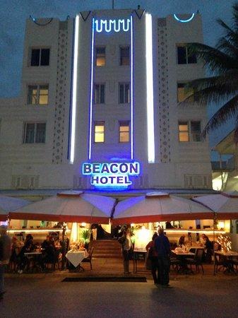 Beacon Hotel : Beacon at Night