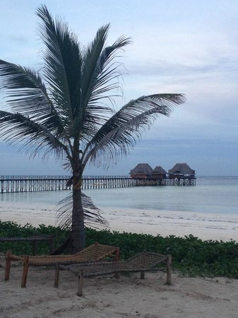 Dongwe Club: dalla spiaggia