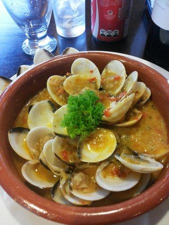 Los Mandarinos Boutique Spa & Hotel Restaurant: Almejas al ajillo ... Entrada en triana