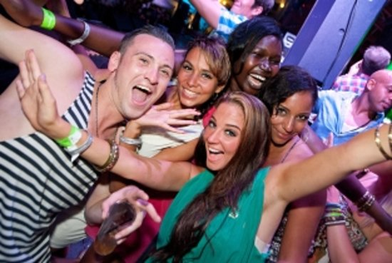 LPC Tours: Discover the amazing Dominican nightlife