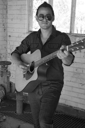 The Deck Bar: Well-known local muso max Fredericks plays for us!