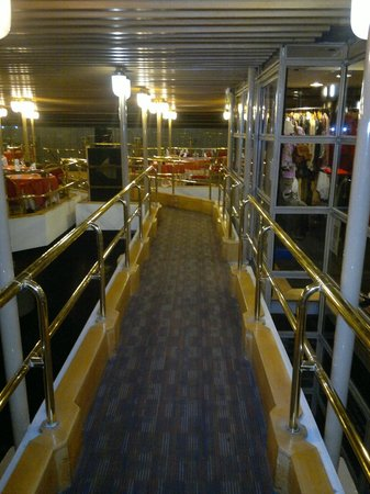 Regente Palace Hotel: camino al desayunador