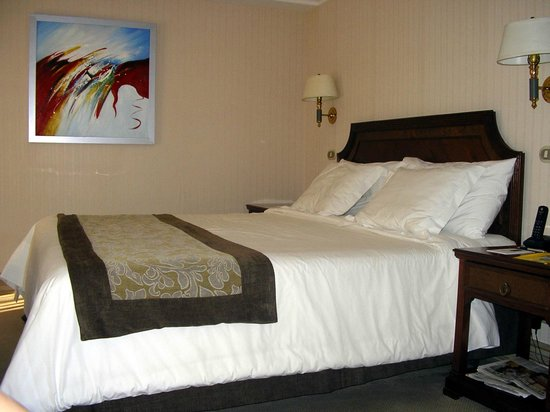 Regal Pacific Hotel: Habitación