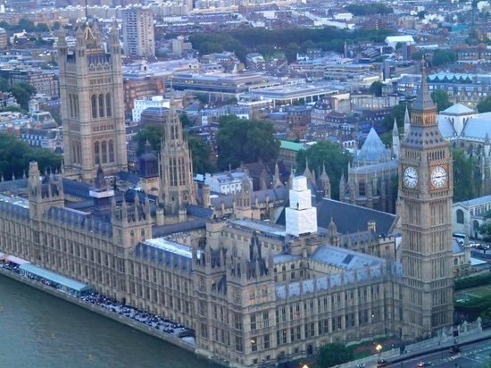 Palais de Westminster : House of Parliament and Big Ben view from the London Eye