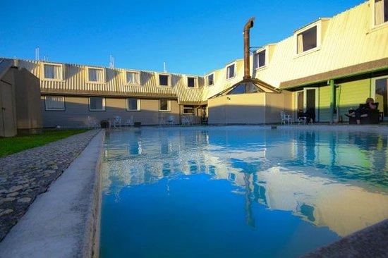 Southern X Lodge : Pool Side
