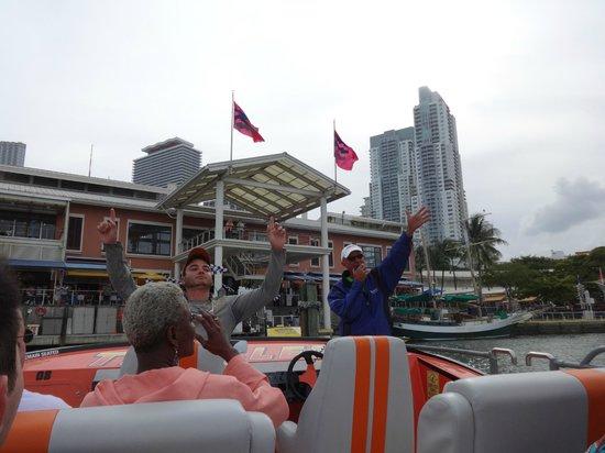 Thriller Miami Speedboat Adventures: Getting Ready