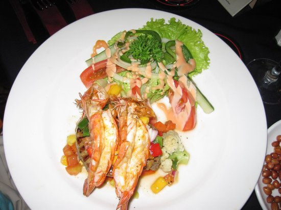 Rib Restaurant : steak and prawns